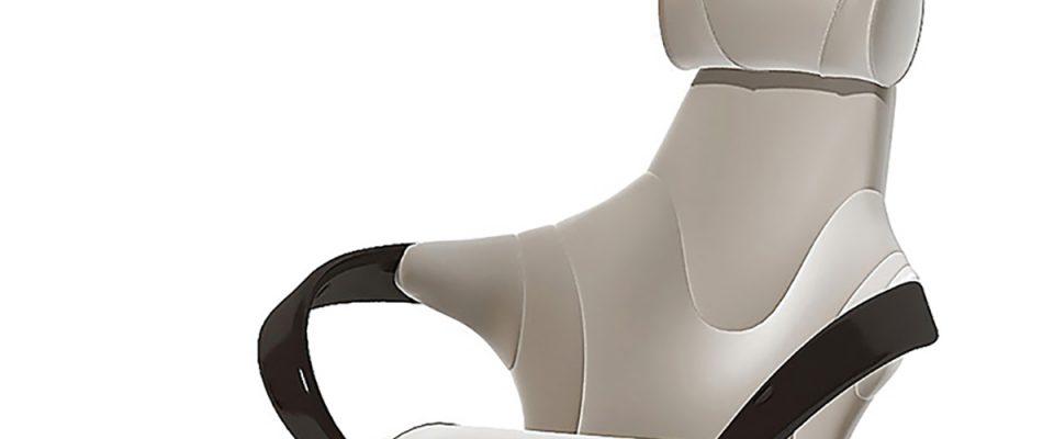 Кресло руководителя с подлокотниками из массива