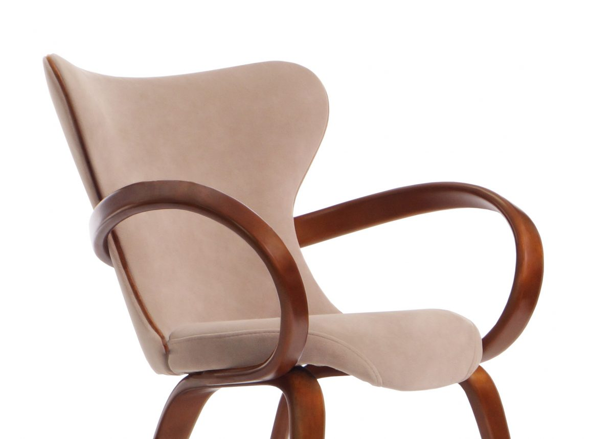 Изысканный стул для элитного загородного дома