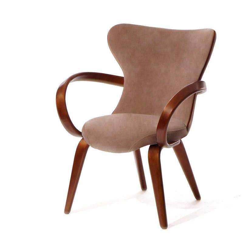 Кресло небольшое на деревянных ножках