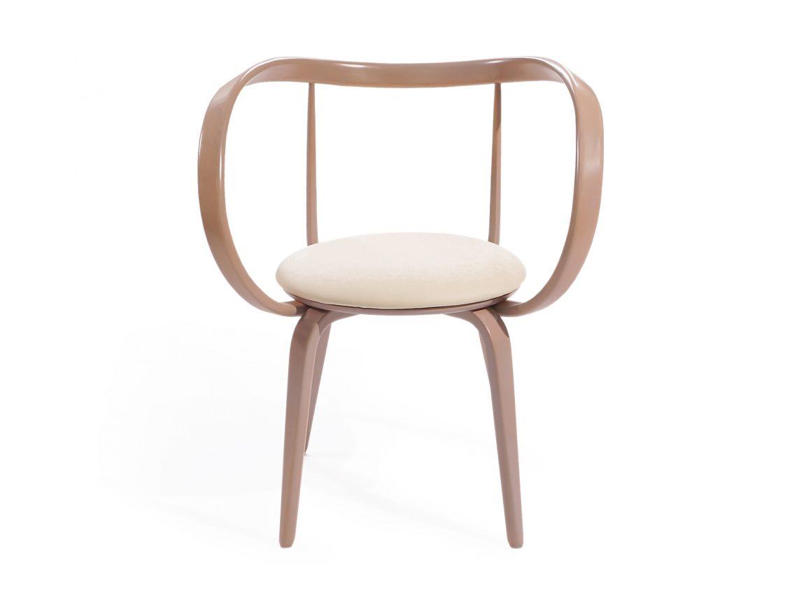 Изысканный стул необычной формы