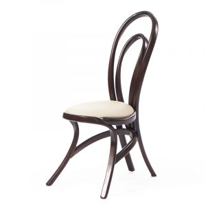 необычный изогнутый стул из массива