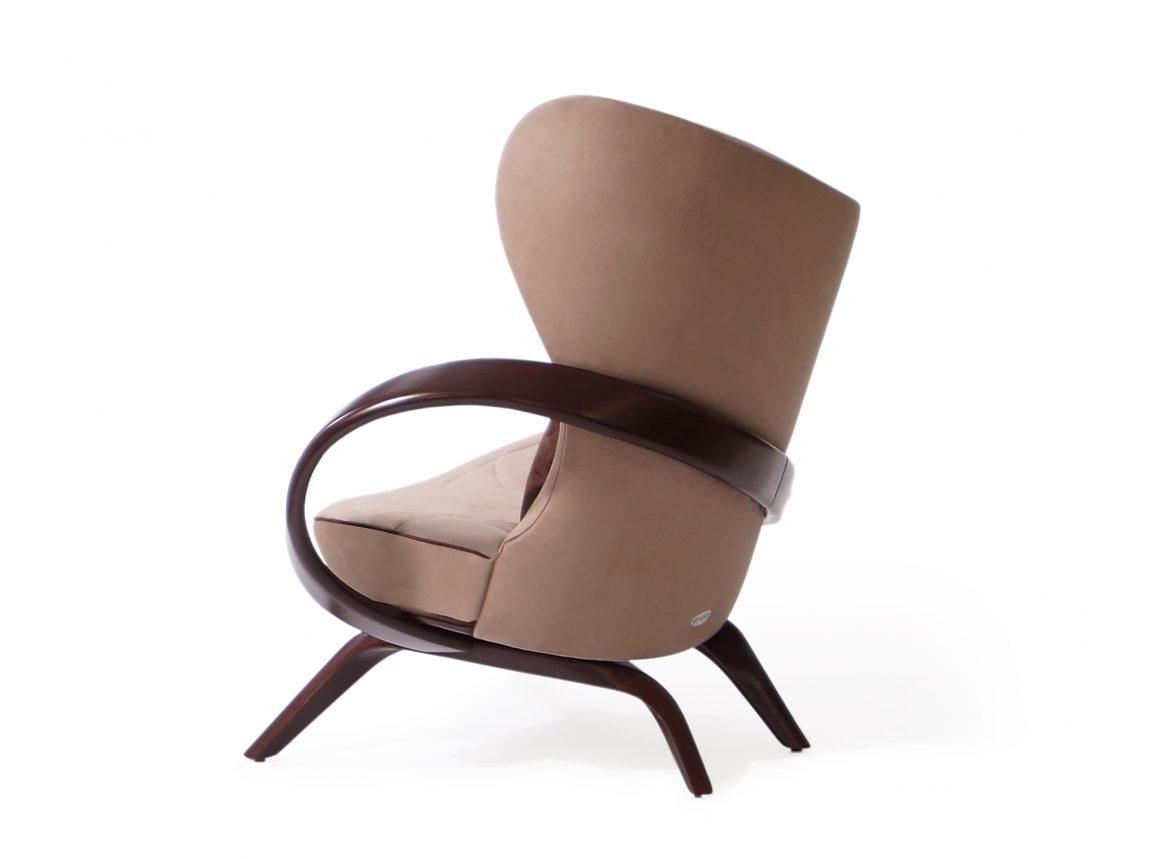 Дизайнерское кресло необычной формы