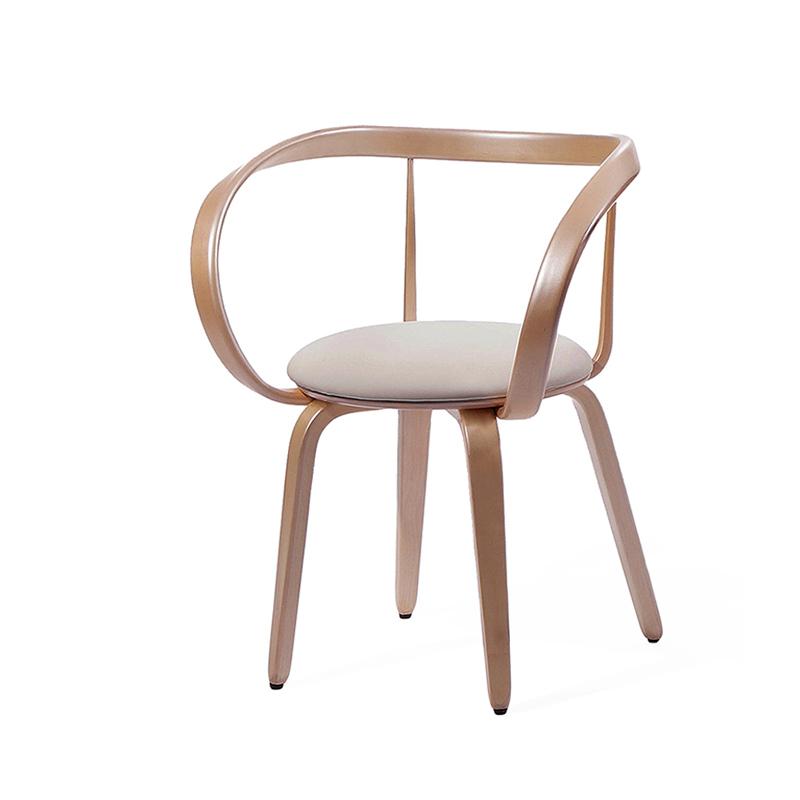 изящный стул из массива берёзы