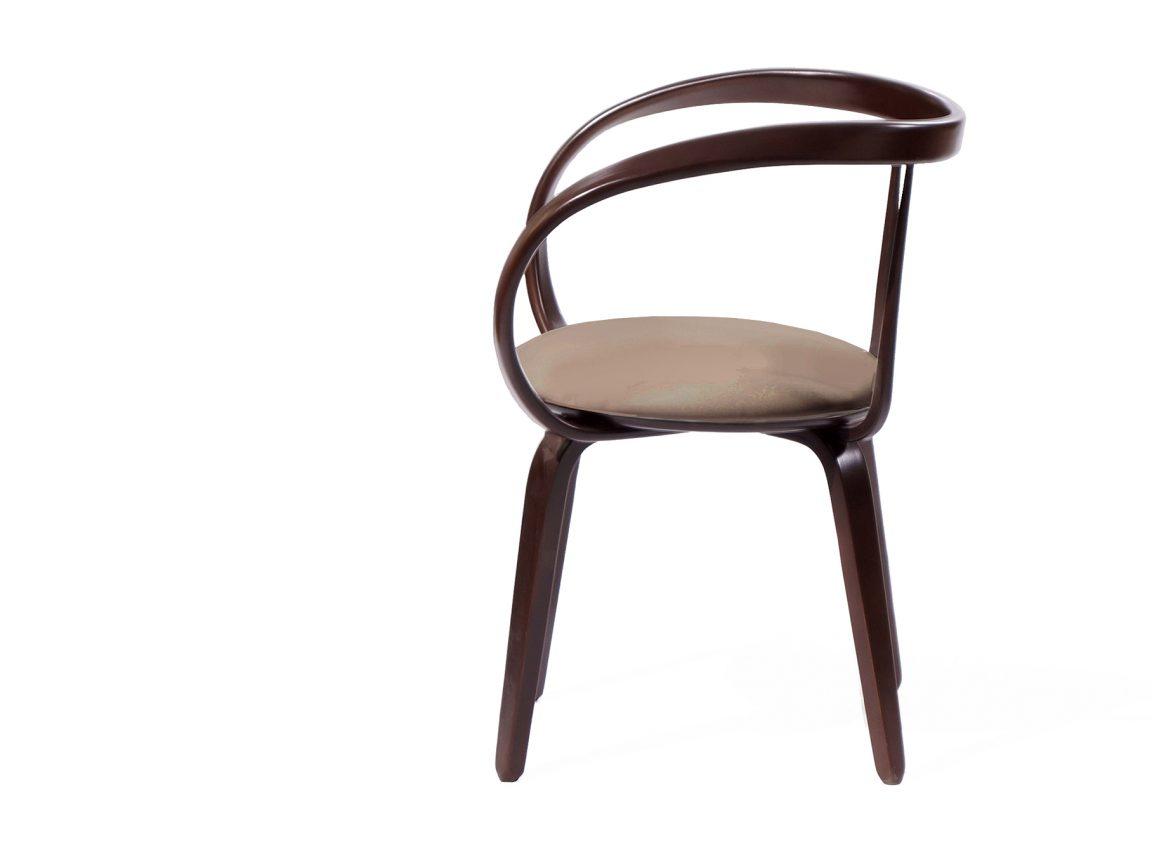 Лёгкий изящный стул классический