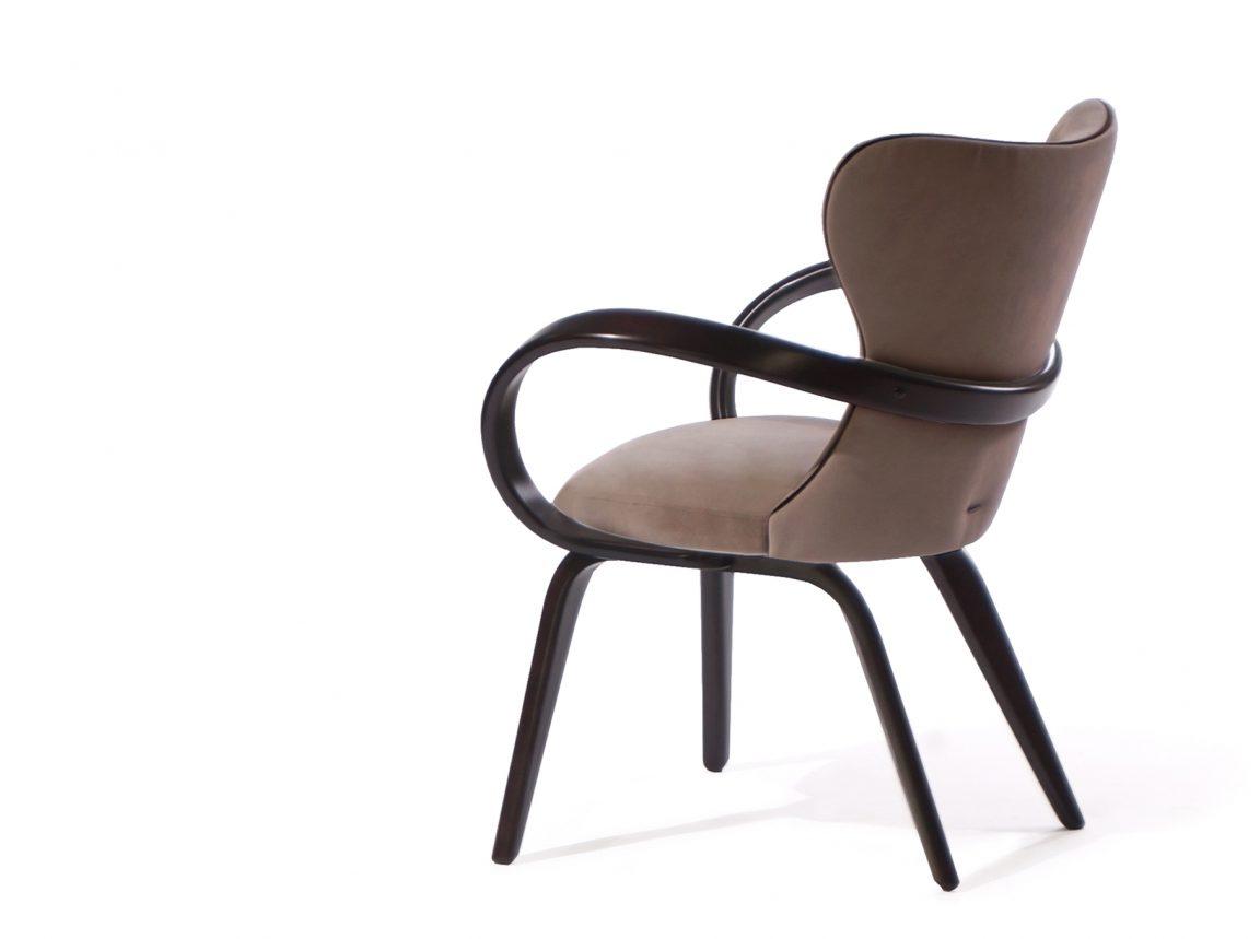 Удивительный стул из натурального дерева