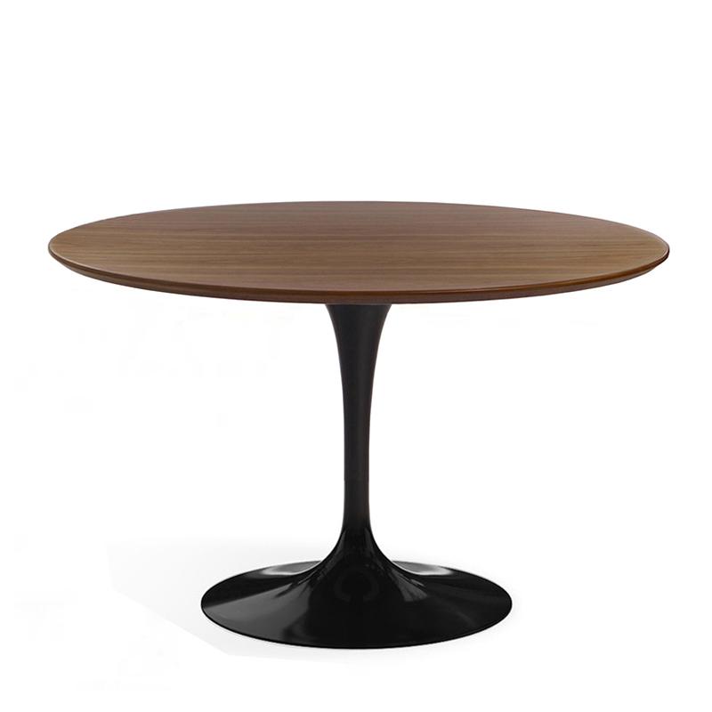 Круглый деревянный стол на кухню