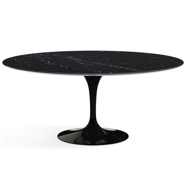 современный овальный стол в чёрном тоне