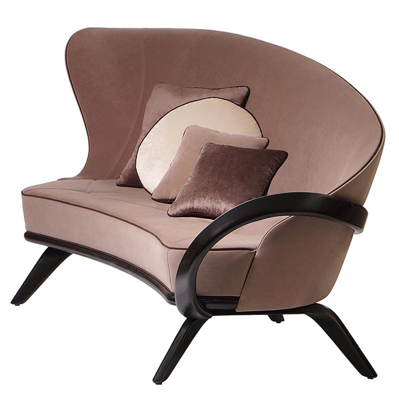 дизайнерский диван с изогнутой спинкой