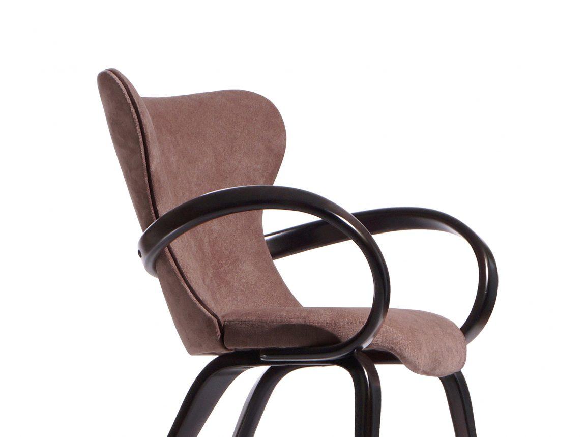 Элегантный невесомый стул деревянный