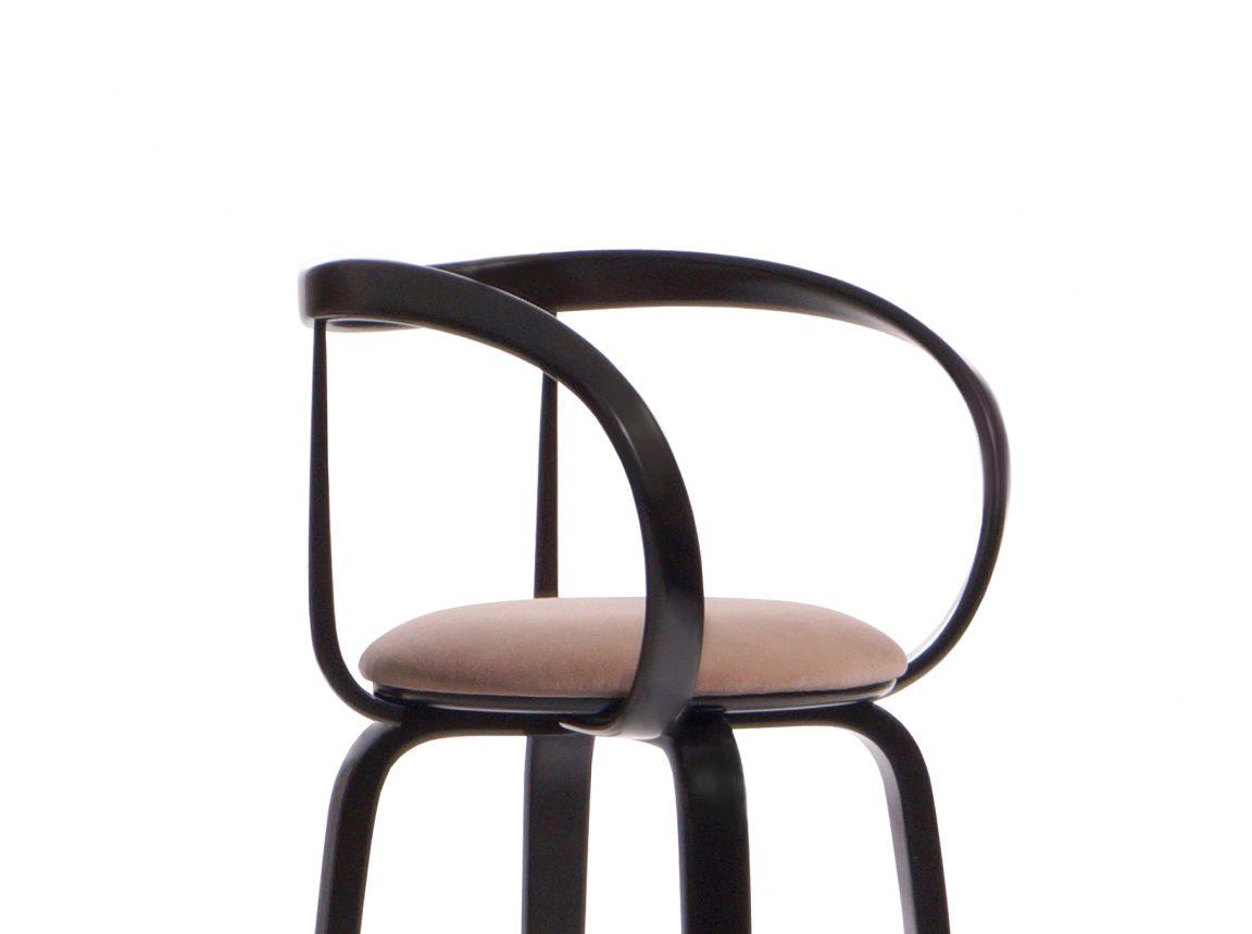 барный стул из массива берёзы