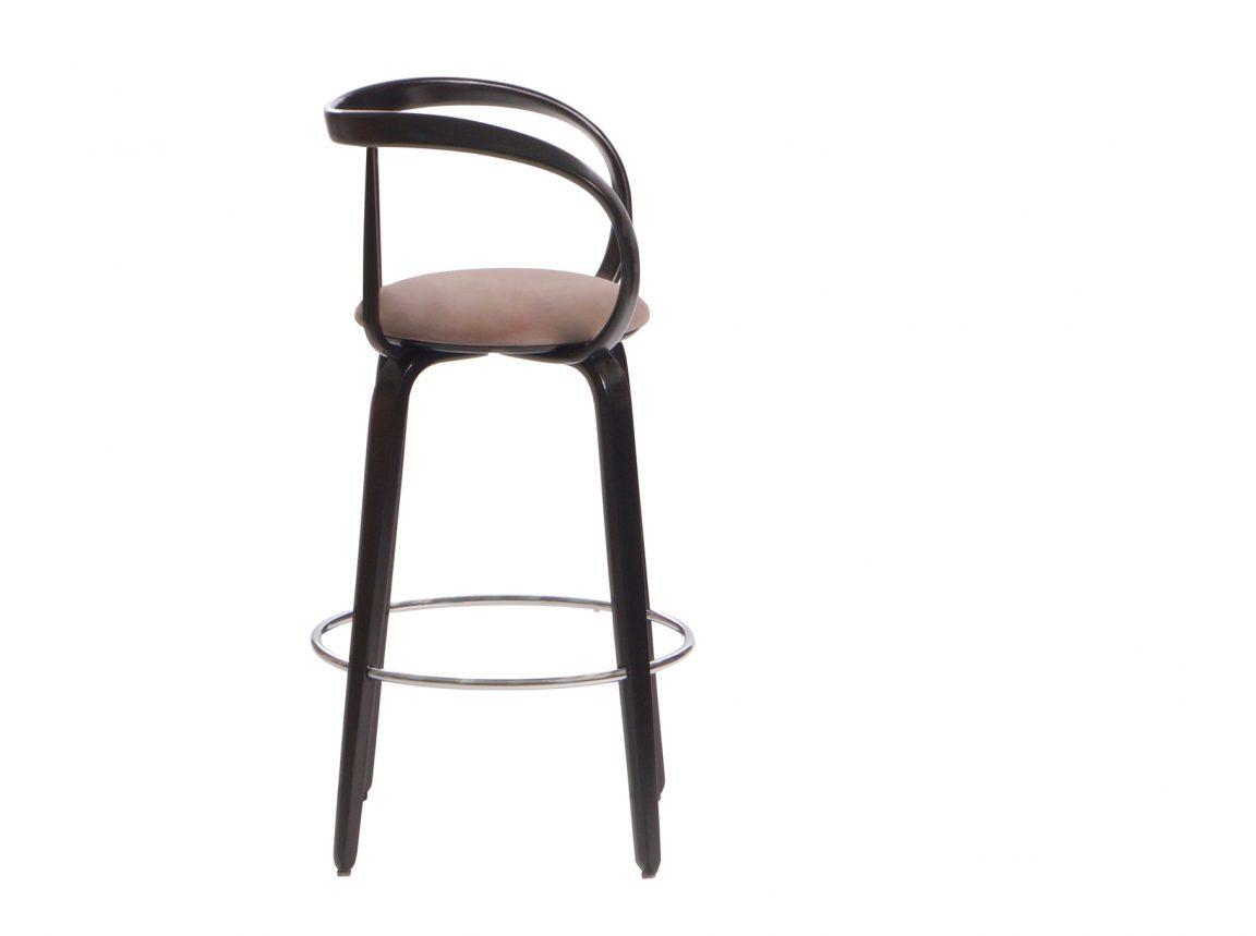 Красивый барный стул