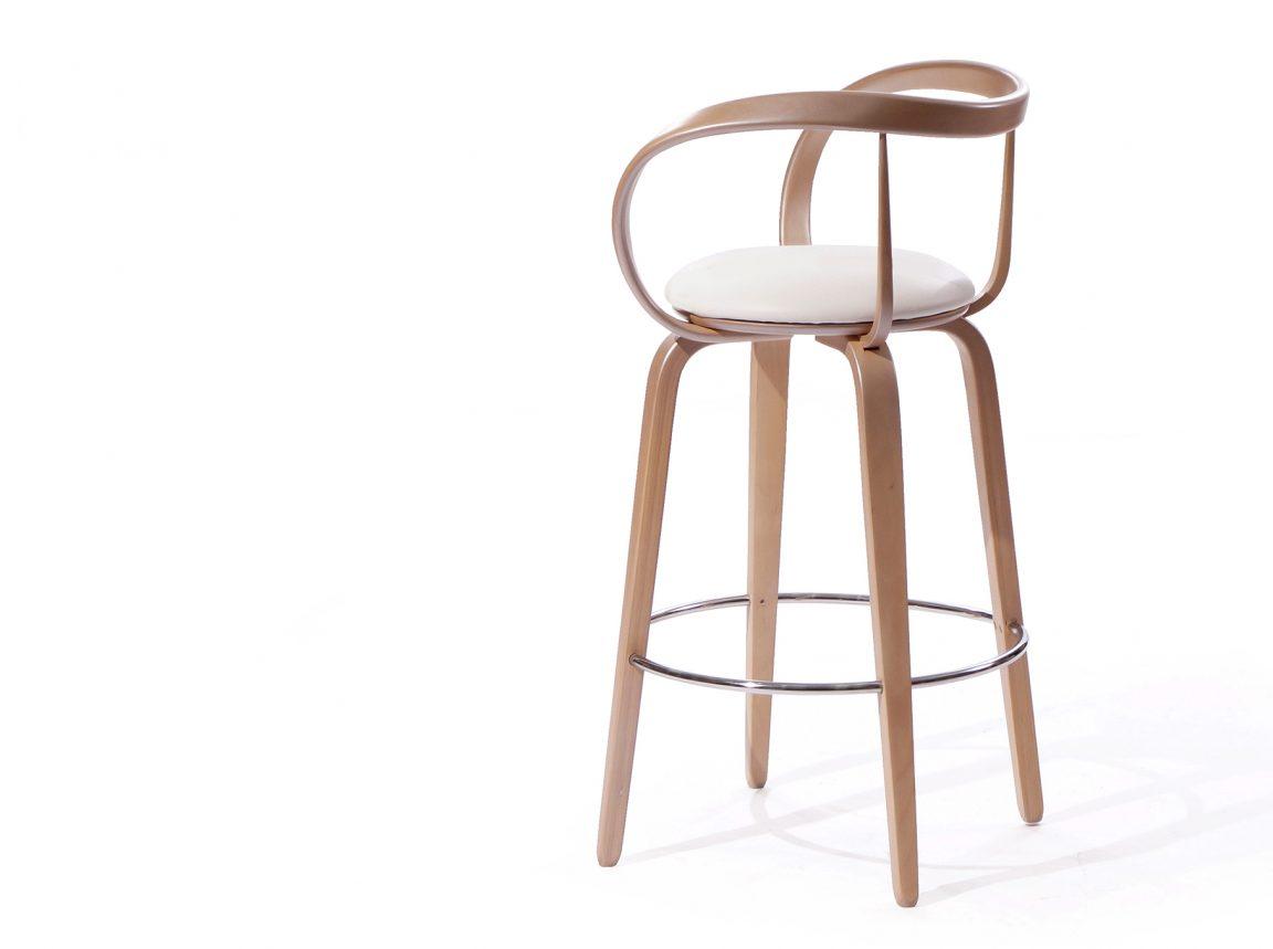 необычный высокий стул для бара