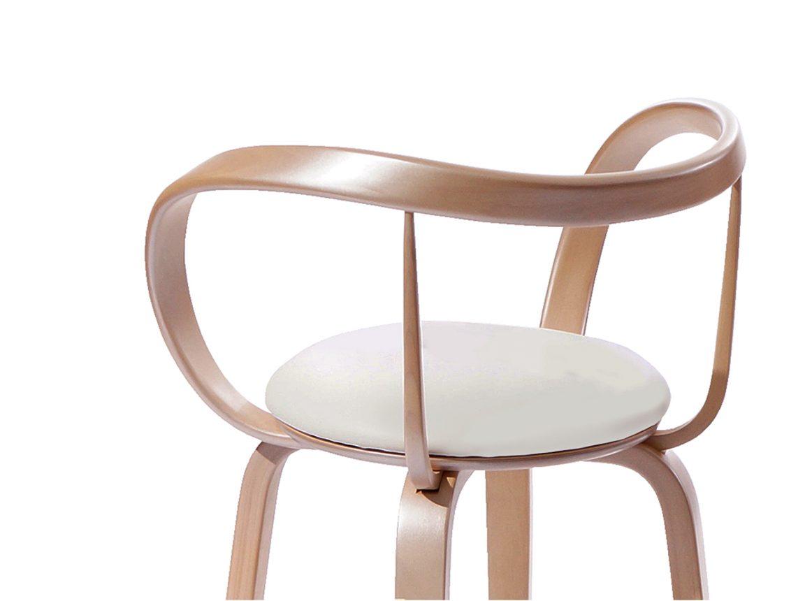 Элегантный барный стул светлый