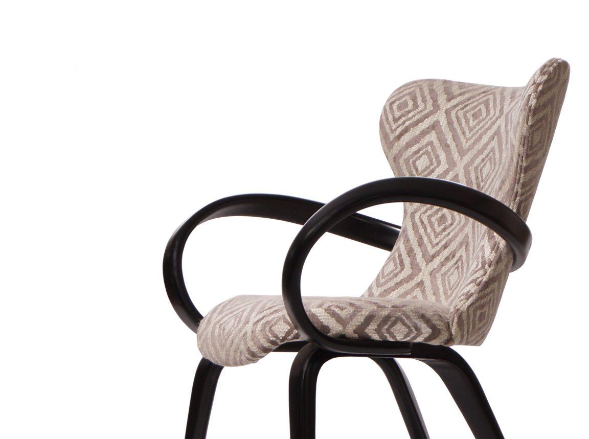 Дизайнерский стул цвета венге