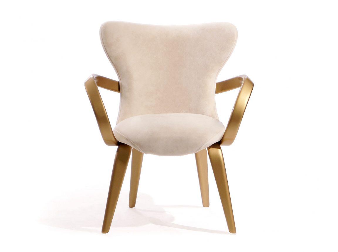 Изысканное кресло небольшого размера