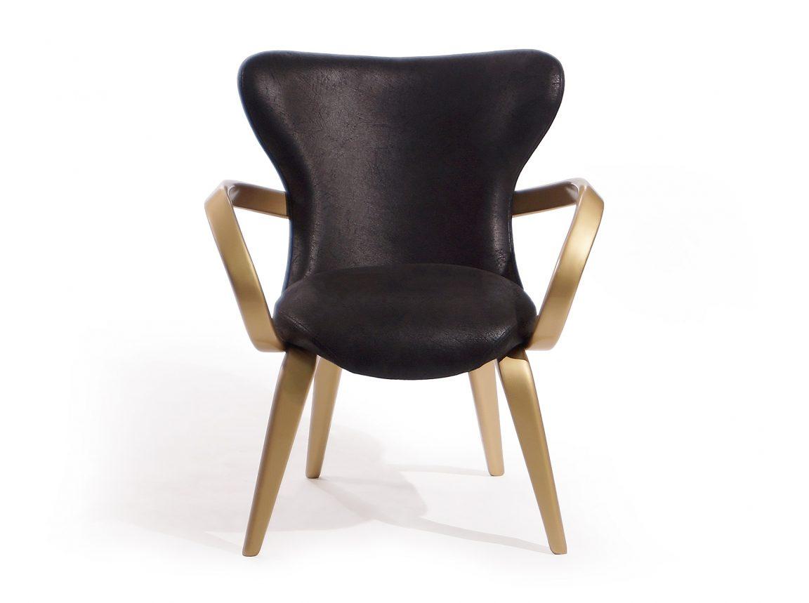 Элегантные золотые стулья в столовую