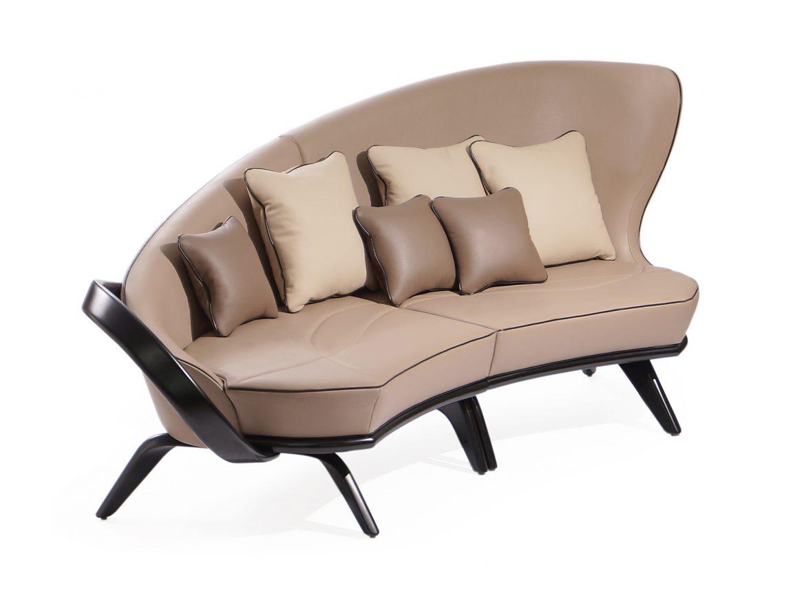 Изящный диван
