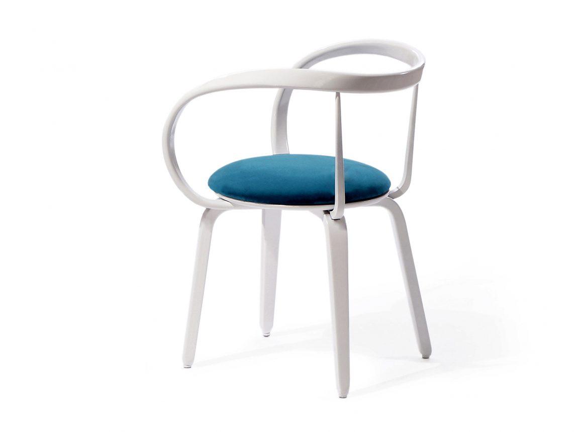 Обворожительный стул для классической обстановки