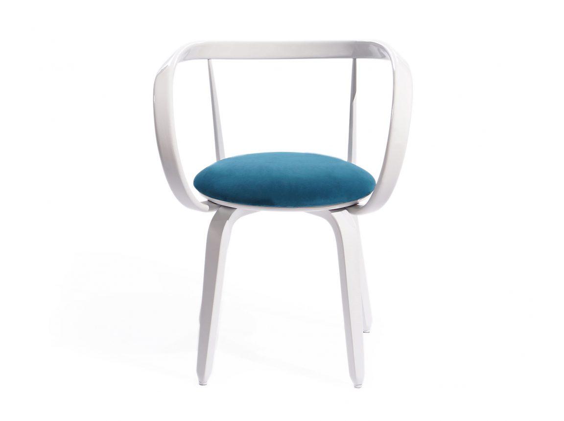 Деревянный стул для французского интерьера