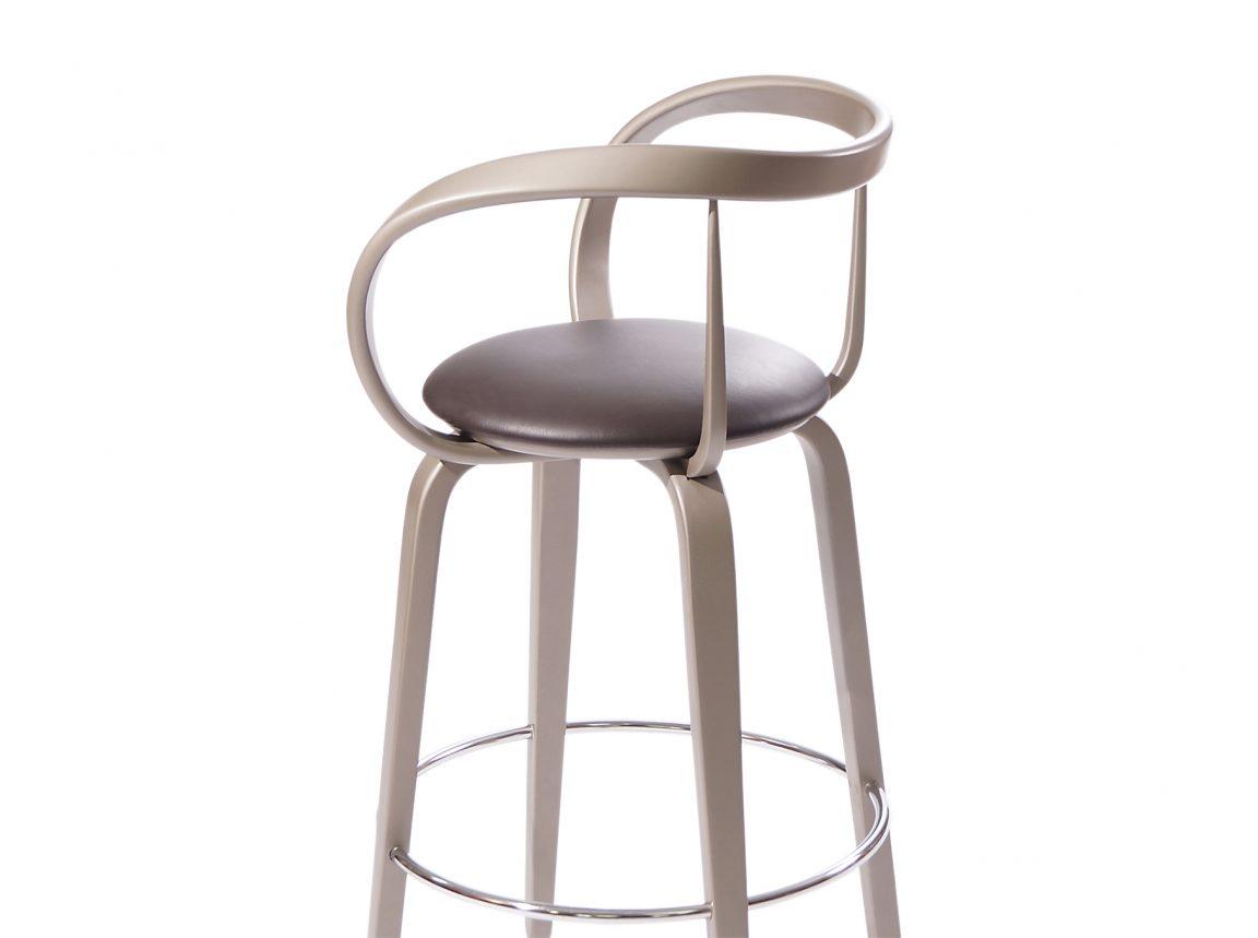 Красивый стул для барной стойки