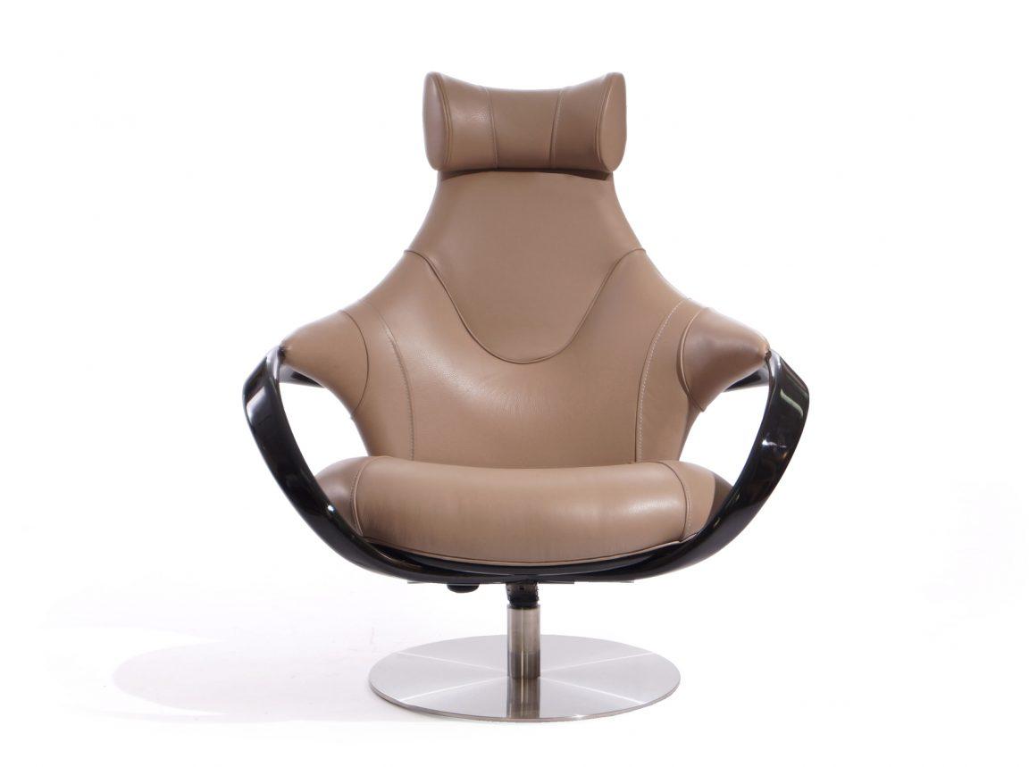 Дорогое кожаное кресло релакс