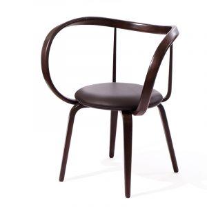 Большой удобный стул из дерева венге