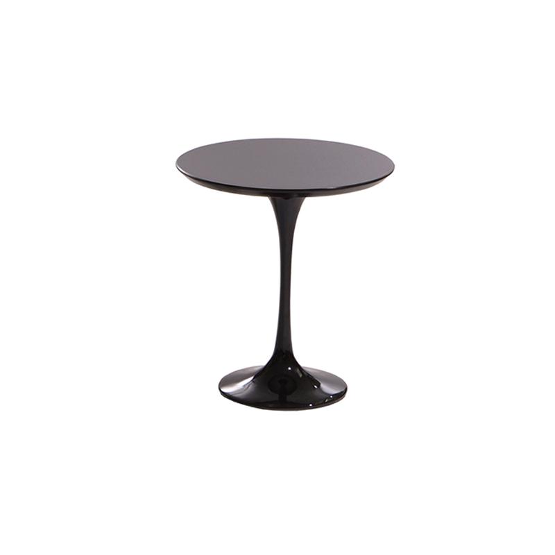 Небольшой столик кофейный черный