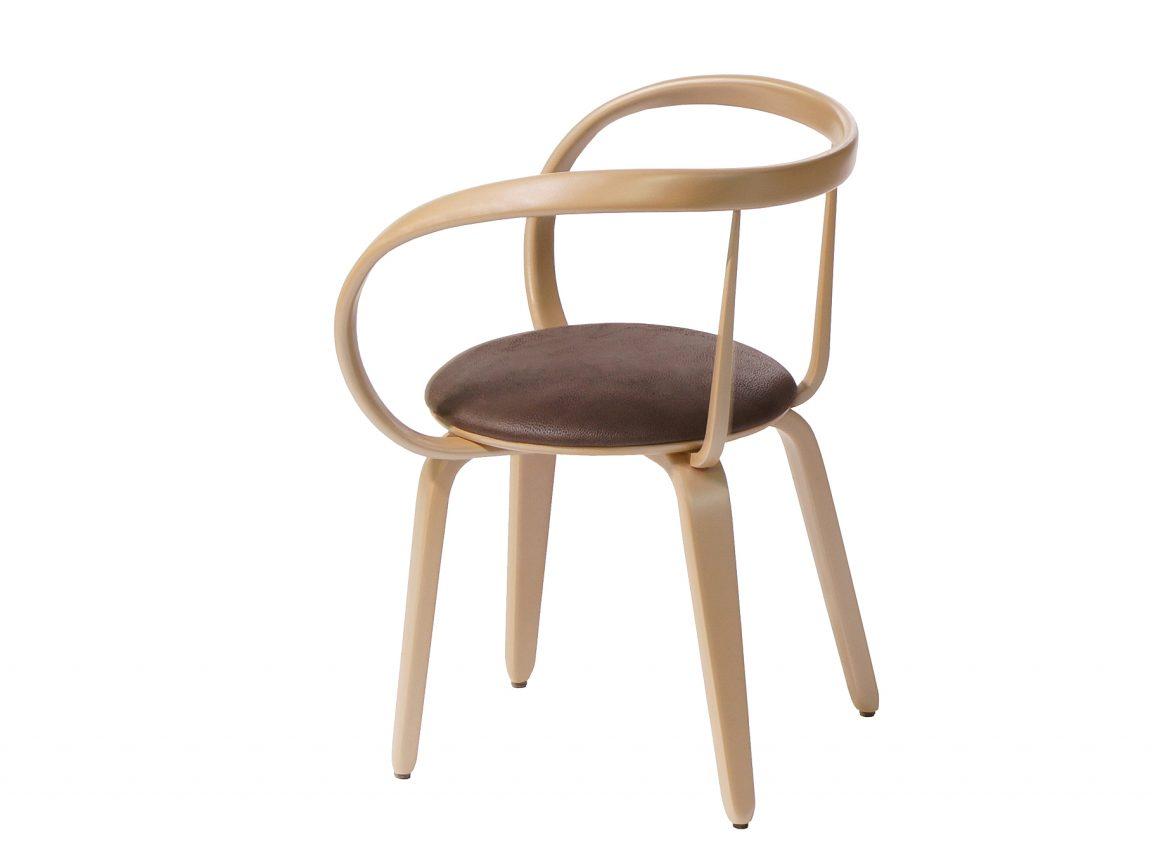 Красивый дизайнерский стул в тренде