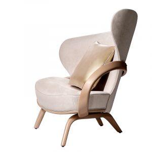 Дизайнерское кресло с подлокотником из дерева для гостинной
