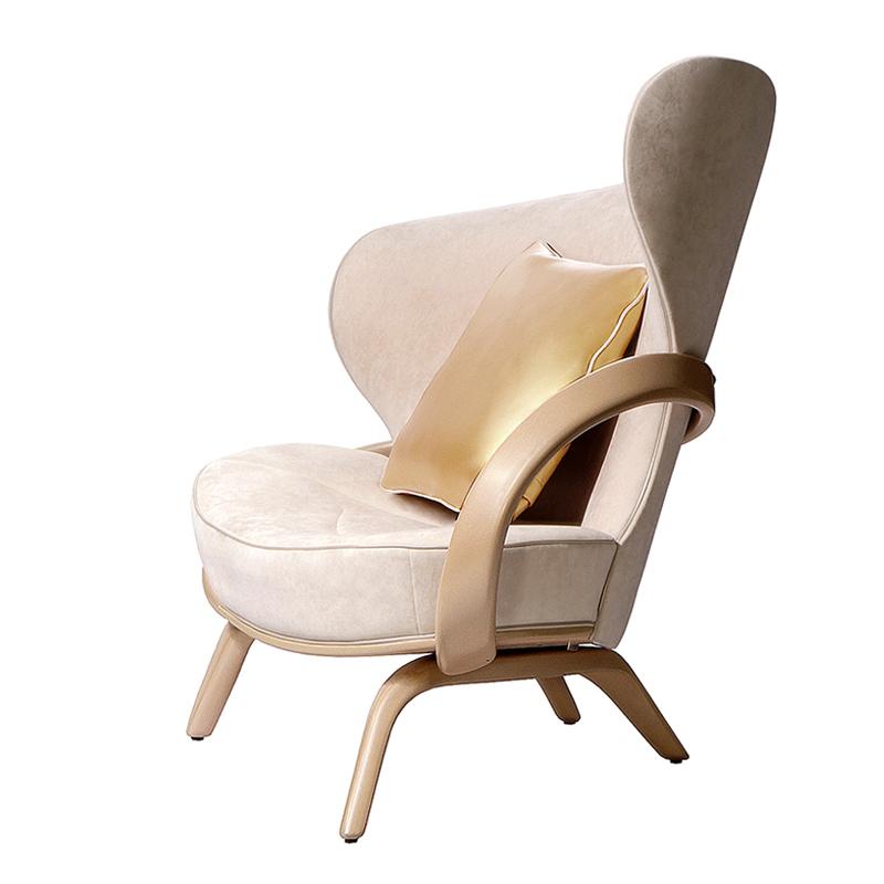Белое кресло из дерева