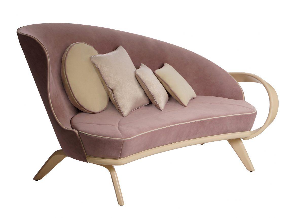 Модный диван радиусный светлый