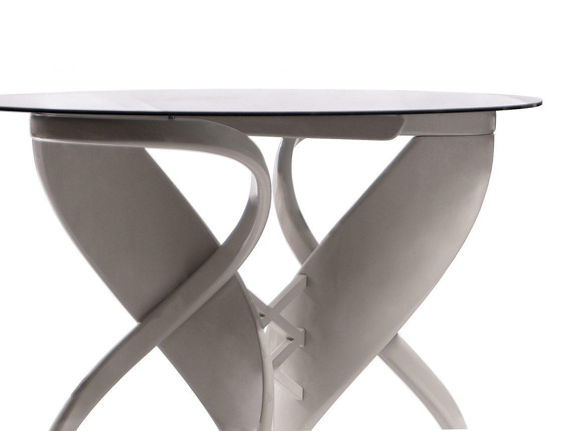 Обеденный стол со стеклом