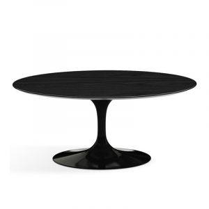Небольшой обедненный стол в черной глянцевой эмали