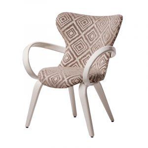 Небольшое дизайнерское кресло для отдыха