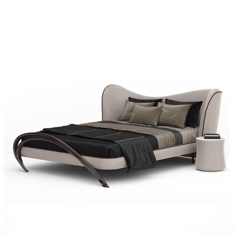 Шикарная кровать в светлой ткани