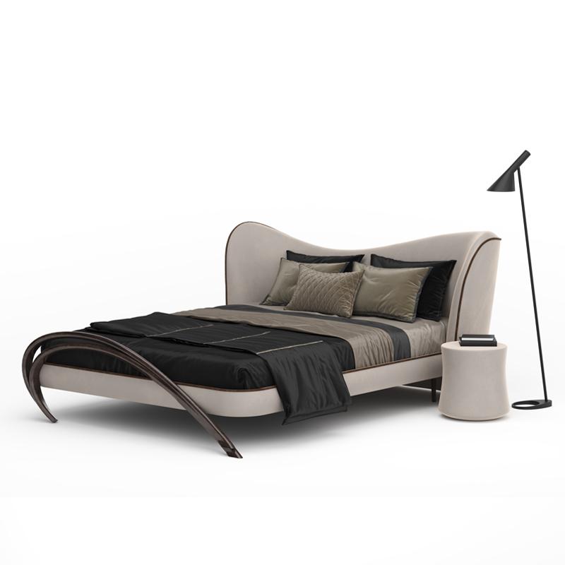 Стильная двуспальная кровать светлая