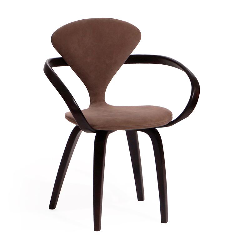 Темный стул из массива венге
