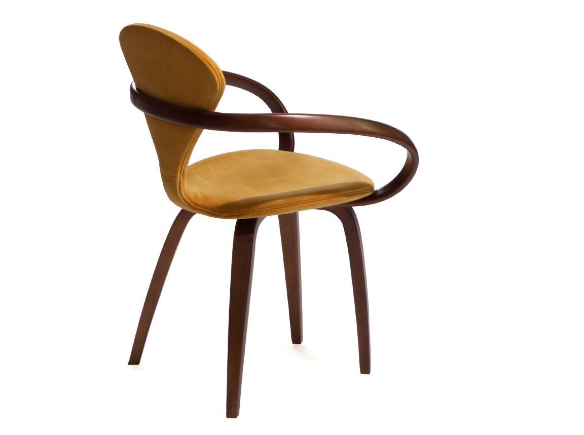 Комфортный небольшой стул для кухни