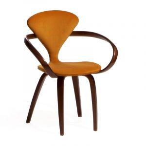 Интересный оранжевый стул в кухню