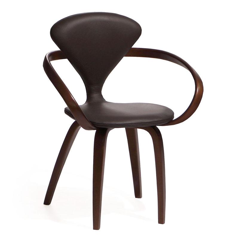 Дорогой стул из кожи и дерева
