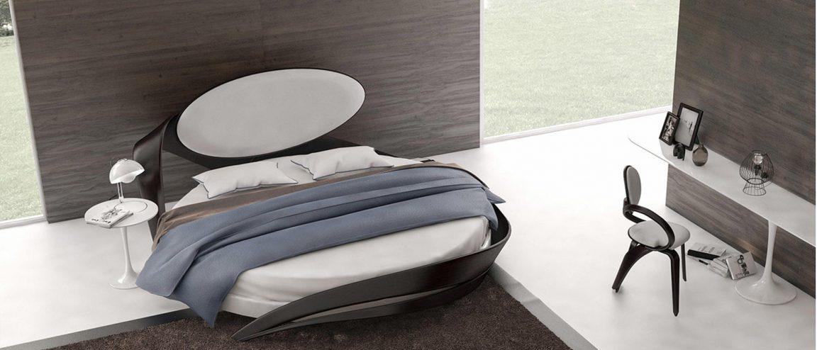 Комфортная круглая кровать из дерева