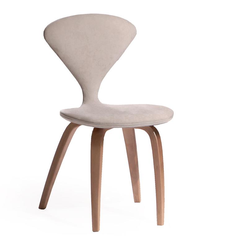 Шикарный белый стул мягкий
