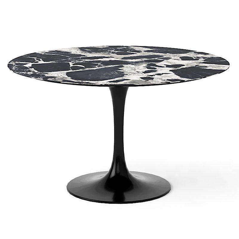 Экстравагантный черно-белый обеденный стол