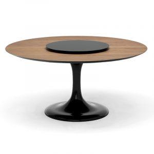 Большой деревянный стол круглой формы на одной ножке