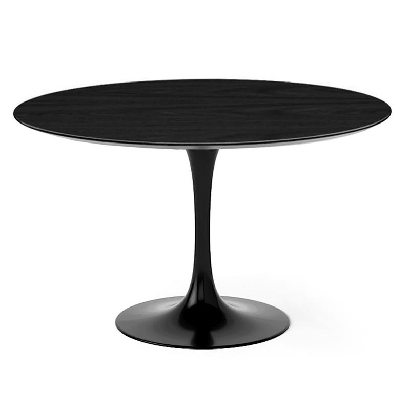 Оригинальный круглый стол на одной ножке для кухни